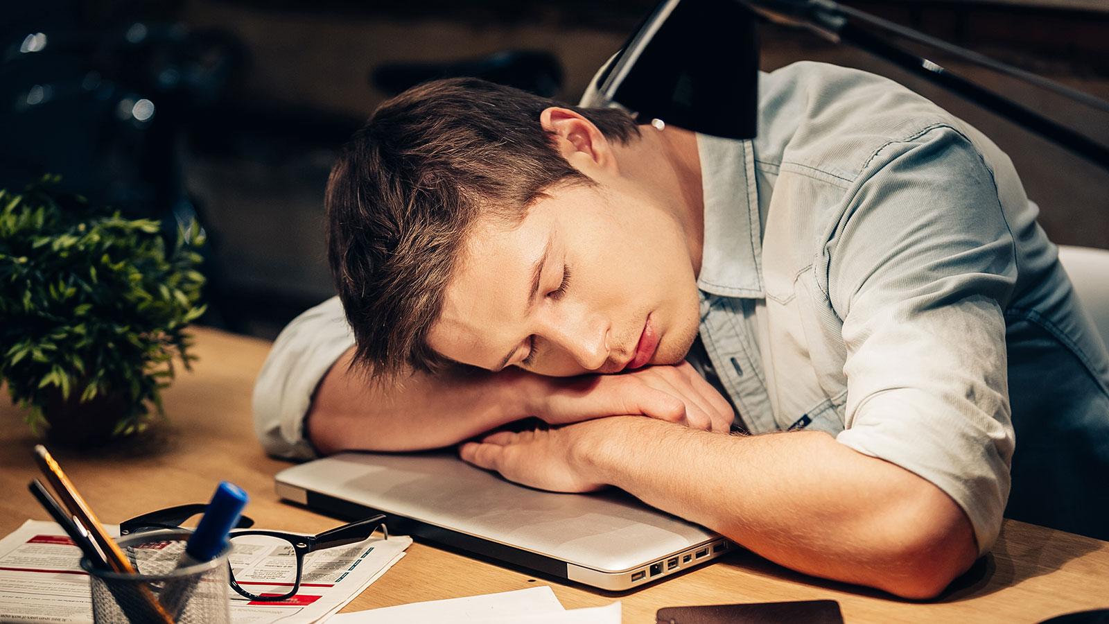 sono depois do almoço